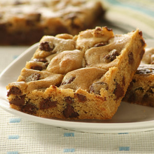 Perfect Bar and Big Cookies With Refrigerated Cookie Dough